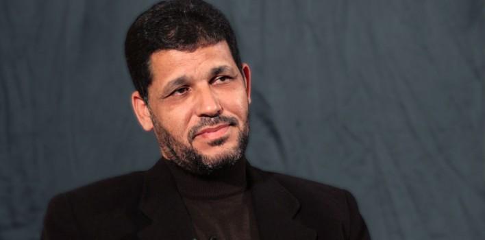 الإمام المجدد من نصيحة الإسلام أو الطوفان إلى وصية العهد والخلافة